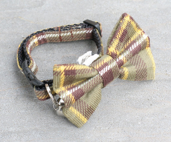 Свадьба - Cat Collar with Bow Tie - Falling Autumn Leaves Green