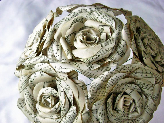 Свадьба - vintage hymnal/sheet music paper roses wedding bouquet toss rehearsal recycled alternative steampunk book page centerpiece