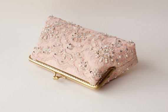 Свадьба - Personalized romance wedding lace clutch in Blush Rose Petal,  Shappy chic, Vintage inspired, bridesmaid clutch purse, Bridal clutch