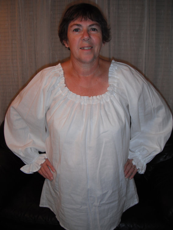 Свадьба - Womens (xs, s, m, or l) White Renaissance Faire Long Sleeve Chemise Blouse