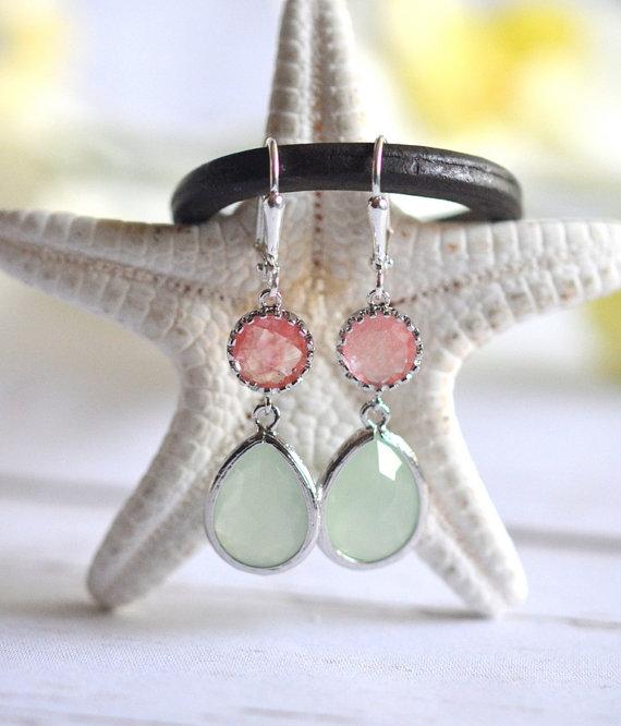 زفاف - Mint Teardrop and Grapefruit Pink Jewel Drop Earrings in Silver.  Mint and Coral Bridesmaid Dangle Earrings. Jewelry Gift. Wedding. Bridal.