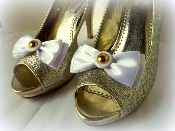 Свадьба - Wedding Shoe Clips, Bridal Shoe Clips, Bow Shoe Clips, Shoe Clips, Shoe Clips for Wedding Shoes,Bridal Shoes, Vintage Buttons Accents