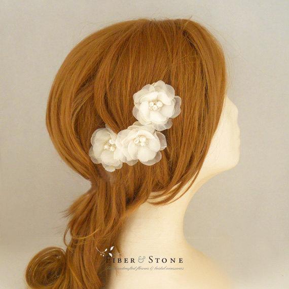Hochzeit - SILK Wedding Head Piece Wedding Hair Flowers Bridal Hair Flowers Wedding Hairpiece Wedding Hair Accessory Ivory Flowers Freshwater Pearl