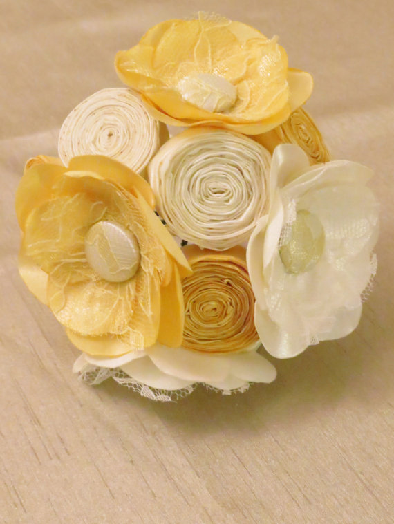 Mariage - Ivory and Yellow Fabric Flower Bridesmaids Bouquet - Milk and Honey Collection - Fabric Bouquets - Summer Wedding Flowers