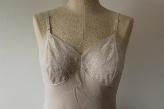 Свадьба - Gorgeous cream lace slip