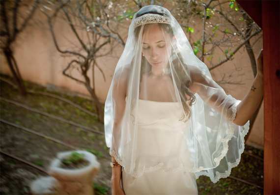 Mariage - Kate - two layers wedding bridal veil, scallop shaped lace, 47 inch length, ivory or white