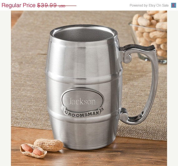 Свадьба - Groomsmen Gift - 16oz Stainless Steel Tankard - Personalized Tankard with Pewter Medallion (1135)