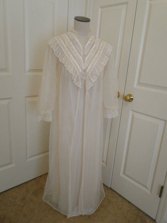 Wedding - Vintage IVORY Bridal long gown lingerie with long jacket  Petite 6 lace and organza Honeymoon wedding night