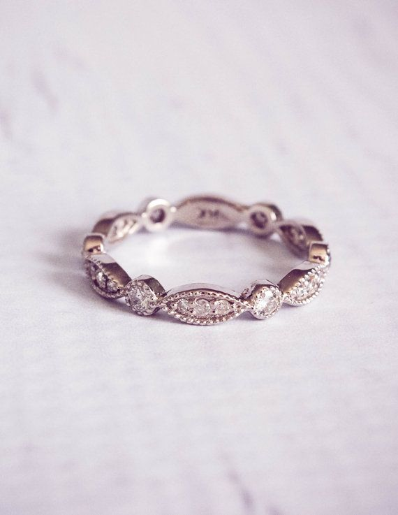 Mariage - The Victoria: 1930's Style Diamond Pave Wedding Band