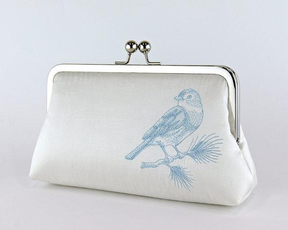 Mariage - Silk Clutch with Embroidered Bluebird in IVORY or WHITE, Wedding clutch, Wedding bag, Bridal clutch, Purse for wedding