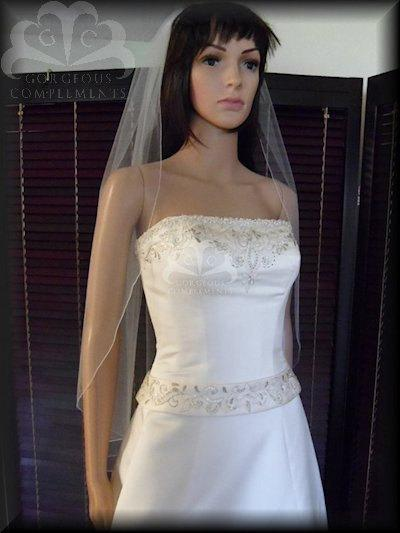 bridal veil singles over 50 Do all your wedding veils come on a comb and what is a bridal veil clip yes, every wedding veil has comb attached to it and ready for usage, unless you specify for the comb to removed the bridal veil clip is different then the comb, the cost is $5 - $7.