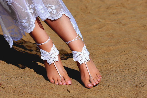 Mariage - Crochet White Barefoot Sandals, Foot jewelry, Bridesmaid gift, Barefoot sandles, Beach, Anklet, Wedding shoes, Beach Wedding, Summer shoes