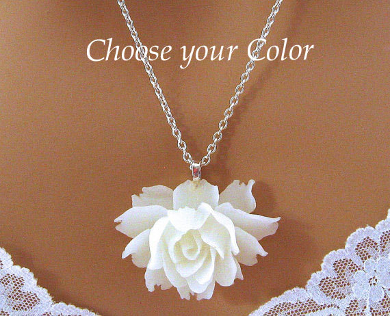 Hochzeit - White Rose Necklace, White Flower Necklace, Romantic Jewelry, Large Rose Necklace