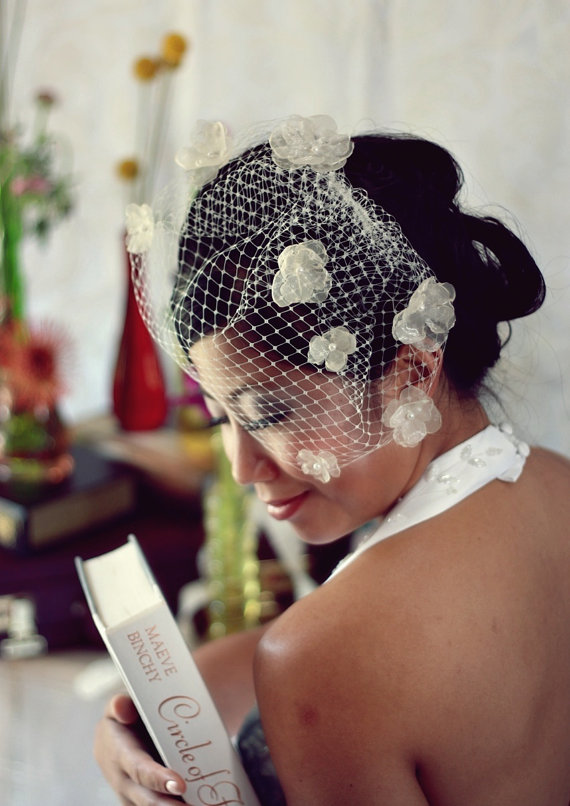 Mariage - Hydrangea Blossoms Kissing Birdcage Veil -9 inch