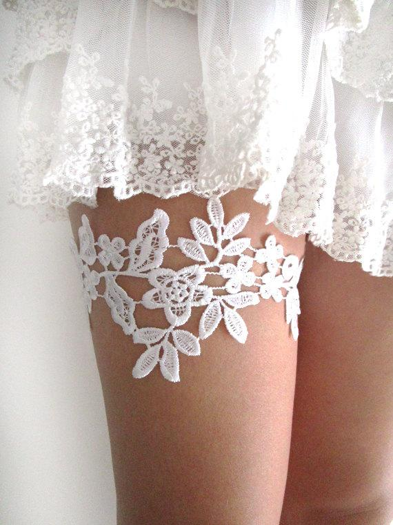White Lace Garter Wedding Bridal Garter Lace Garter Set Floral Simple Romantic French Bridal