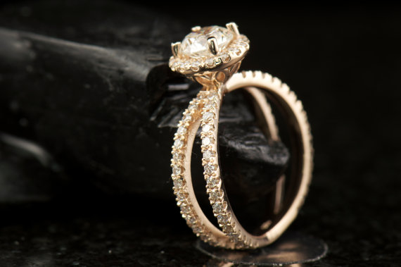 زفاف - Shayla - Moissanite and Diamond Engagement Ring (Halo with Split Shank)