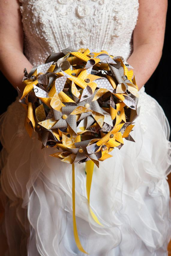 Mariage - Pinwheel Bouquet by Rule42 - 3 sizes, custom designed to match your wedding