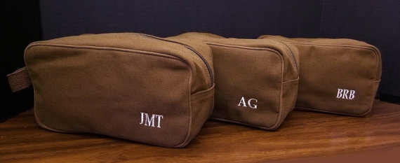 Hochzeit - Set of 8 Canvas Toiletry Bags Groomsmen Wedding Gifts Monogrammed