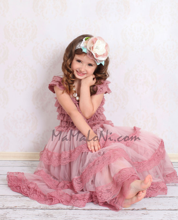 Свадьба - Flower Girls Dress, Vintage Pink Ruffle Lace DRESS, petti dress, birthday dress, baby girl dress, lace dress, vintage dress, dusty rose pink