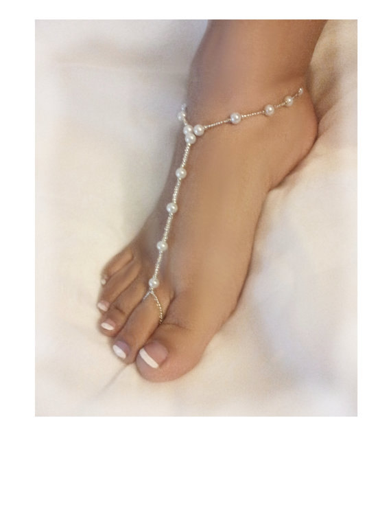 Hochzeit - Pearl glass beads stretch barefoot sandals, white pearls, vibrant seed beads, bridal sandals, wedding sandals, beach sandal, slave anklet