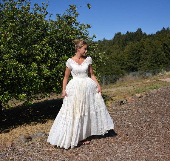 Vintage wedding dress prairie style farm or barn wedding for Beverly hills wedding dresses