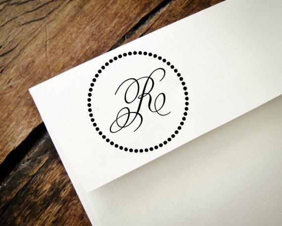 Mariage - Monogram Stamp, Custom Monogram, Custom Rubber Stamp, Personalized Stamp, Custom Stamp, DIY Custom Stationary - New Couple, Wedding Gift