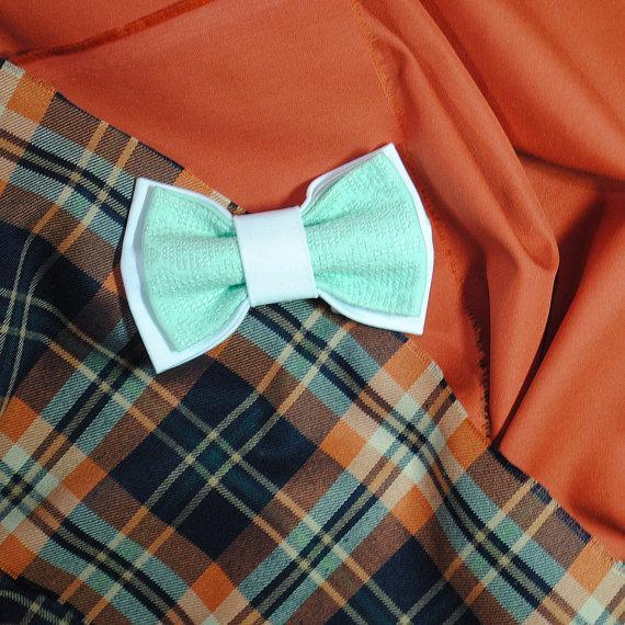 Wedding - Mint white bow tie Embroidered bowtie Wedding in mint white Groom's bowtie Mariage Fiancee Groomsmen bowties Neckties in mint Gift ideas her