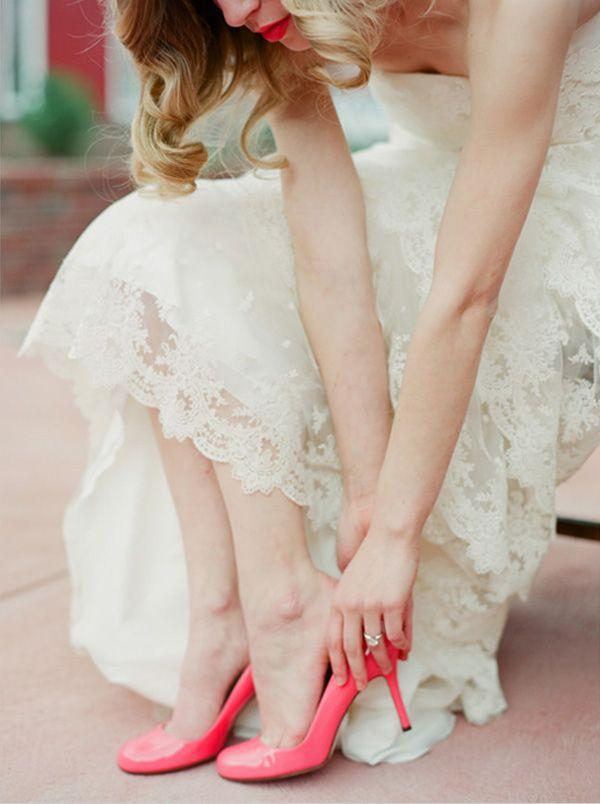 Get Ready To Design Your Own Vintage Lace Wedding Dress Online ...