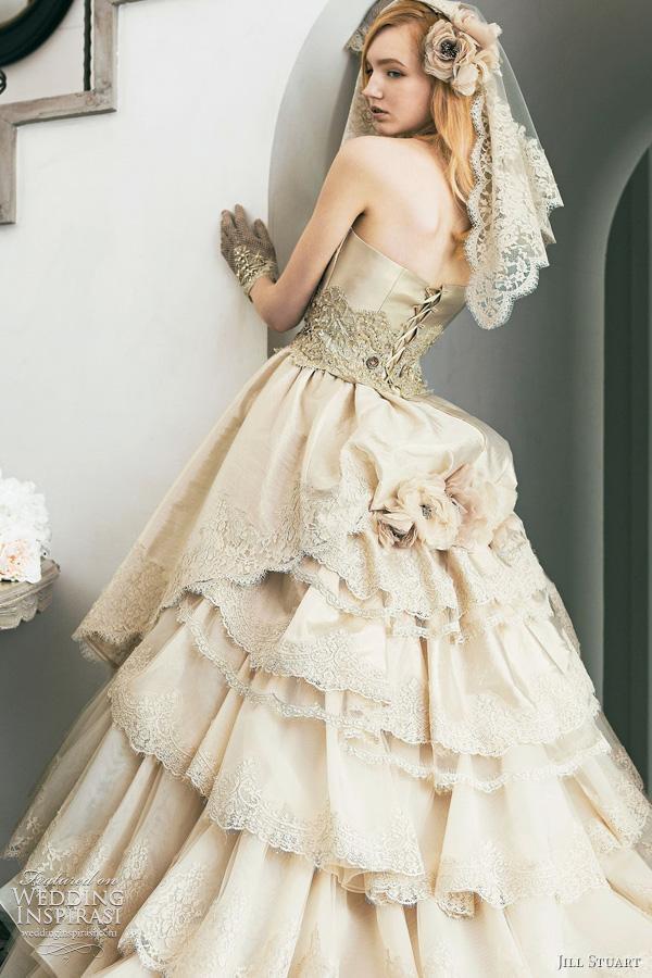 Hochzeit - فساتين الاحلام