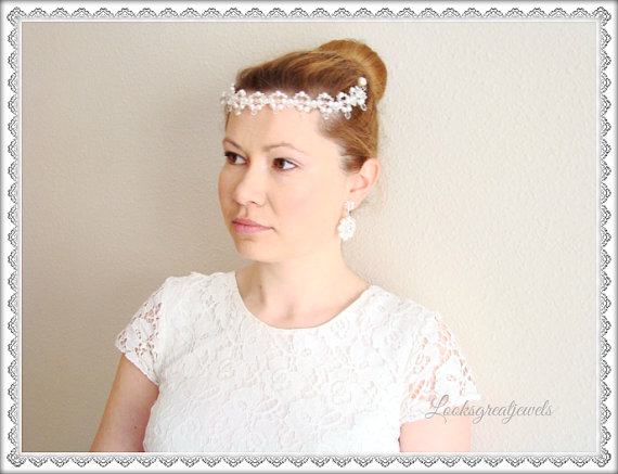 Hochzeit - Pearl and Crystal Bridal Tiara, Wedding Tiara, Pearl Tiara, Bridal Tiara Crown - CYNTHIA