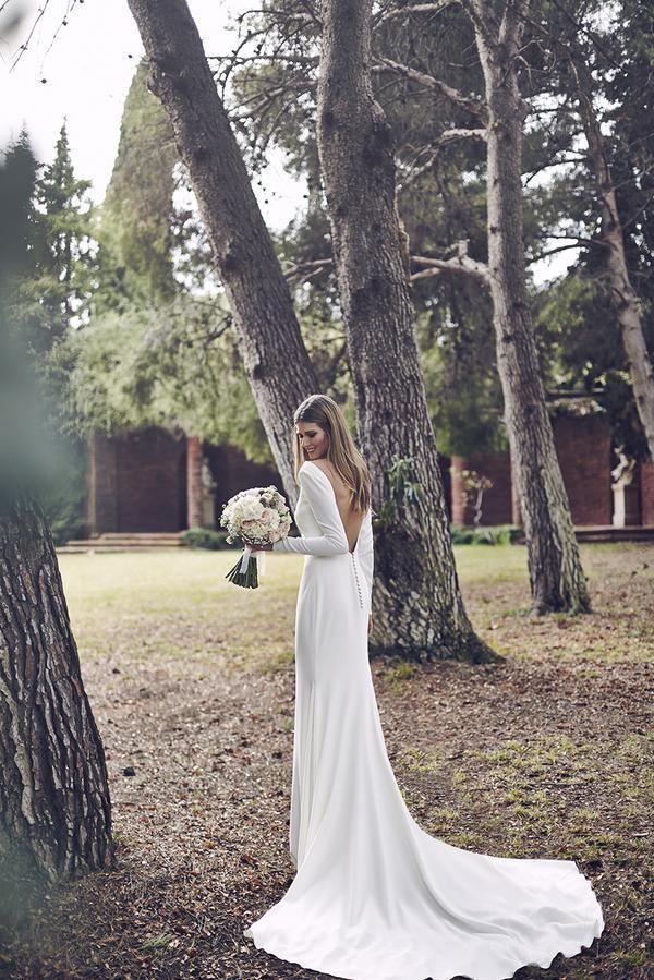 Hochzeit - Sneak Peek: Pronovias Wedding Dress 2016
