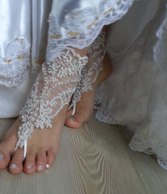 Свадьба - ivory beaded Beach wedding barefoot sandals, Ivory Barefoot Sandals, Sexy, Yoga, Anklet , Bellydance, Steampunk, Beach Pool