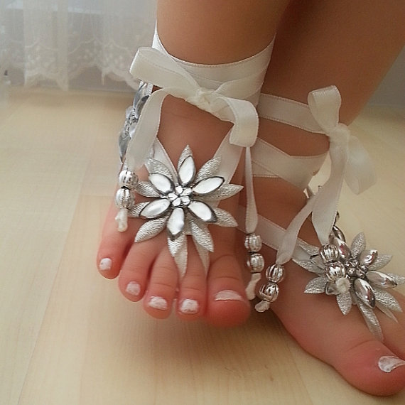 Свадьба - Free Ship Beaded Flower girl anklet, embrodeired, Beach wedding barefoot sandals, bangle, wedding anklet, anklet, flower girl, wedding