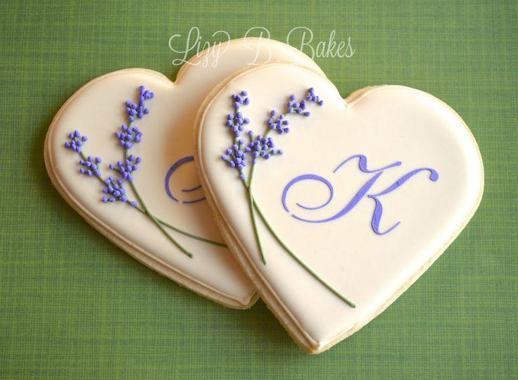 Hochzeit - Lizy B: Bridal Shower Monogram Cookies!