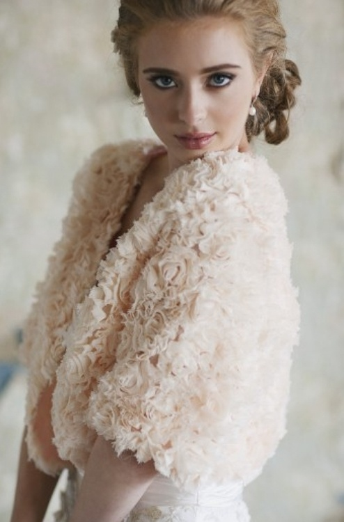 Свадьба - Winter-themed Wedding Ideas