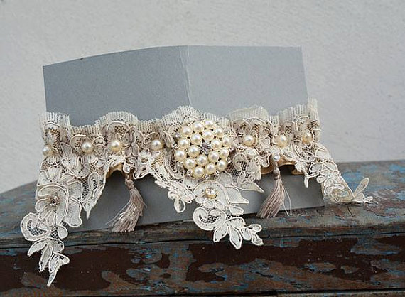 Mariage - Wedding Garters, Wedding leg garter, Pearl Lace Garter, Rustic Wedding Garter, Bridal Garter , Cream Lace, Lace Garter, ,Wedding Accessory