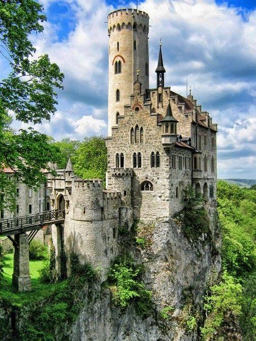 زفاف - 10 Awesome Castles From Around The World