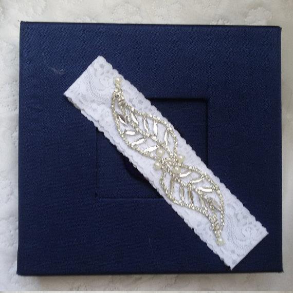 زفاف - Wedding Garter , Of white Lace Garter, Bridal Leg Garter,Rustic Wedding Garter, Bridal Accessory, Rhinestone Crystal Bridal Garter