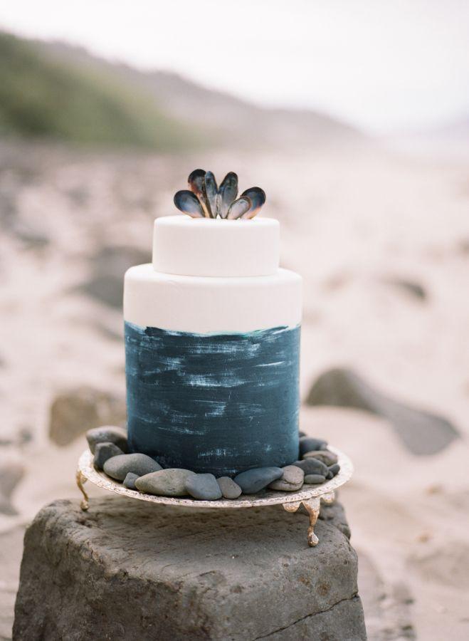 Mariage - Romantic Seaside Bridal   Boudoir Inspiration