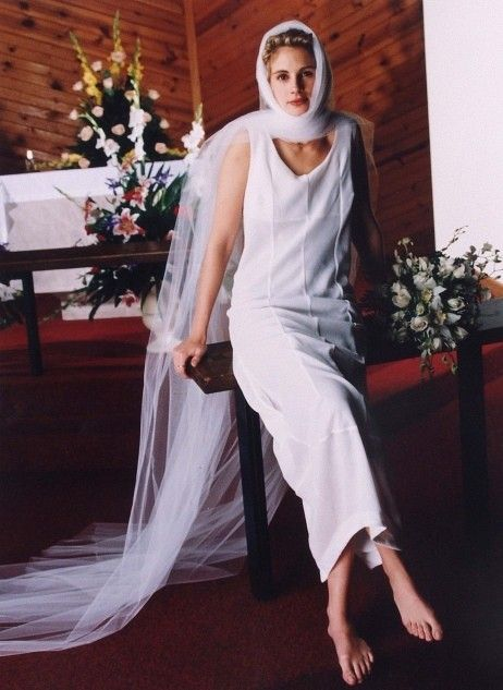 Свадьба - Julia Roberts In Comme Des Garçons Wedding Dress