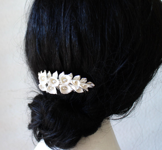 Mariage - Bridal Flower Hair Comb , White Calla Lilies Hair Comb, Bridal White Hair Flowers, Hair Comb, Wedding Hair Accessories, Bridal Headpiece