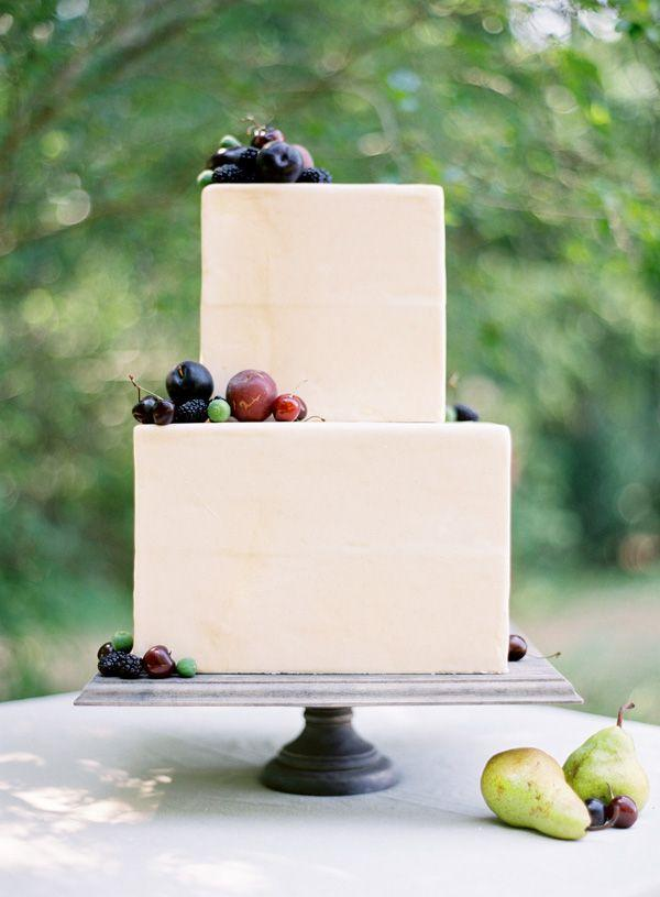 زفاف - Dark Cherries Fruit Wedding Cake