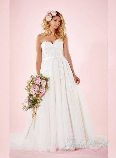Simple Sweetheart Neck Princess Ball Gown Tulle Wedding Dress 2365246