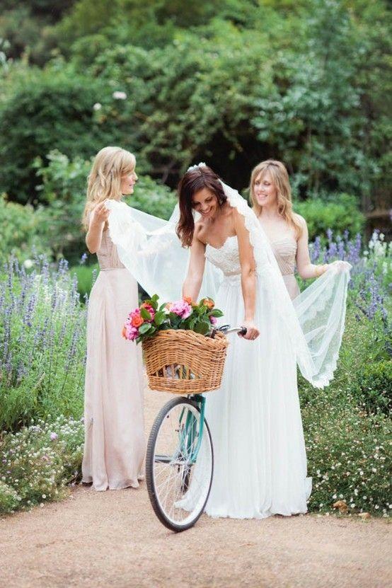 Mariage - Ženy A Kola / Women And Bikes