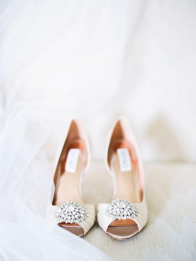 Hochzeit - Classic   Elegant Country Club Wedding