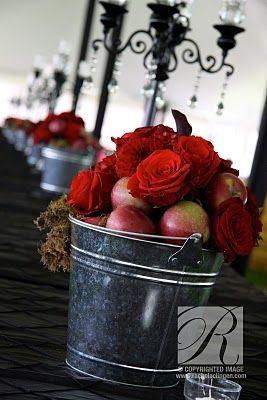 Свадьба - Cute And Fun Fall Farm Wedding Setting Inspiration. Wedding Decor Rachel A. Clingen Wedding & Event Design