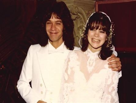 39 we 39 re so happy 39 valerie bertinelli marries long term for Valerie bertinelli wedding dress