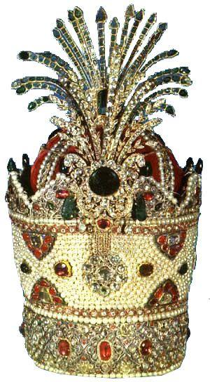 Свадьба - The Three Crowns Of The Iranian Crown Jewels