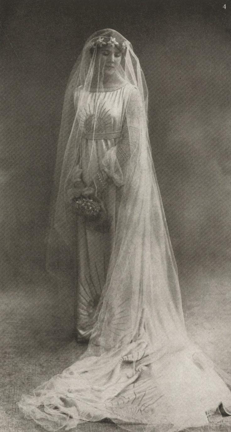 Свадьба - Rare Vintage: Sunday At Home With La Comtesse Jean De Polignac