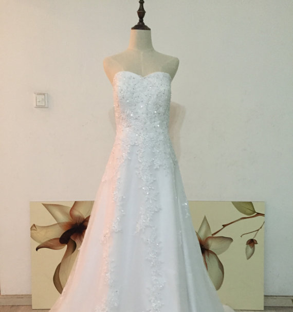 Wedding - Real Photos Custom Size Made Sweetheart A-line Floor Length Wedding Dress with Lace Appliques and Sequins Bridal Gown Plus Size Available